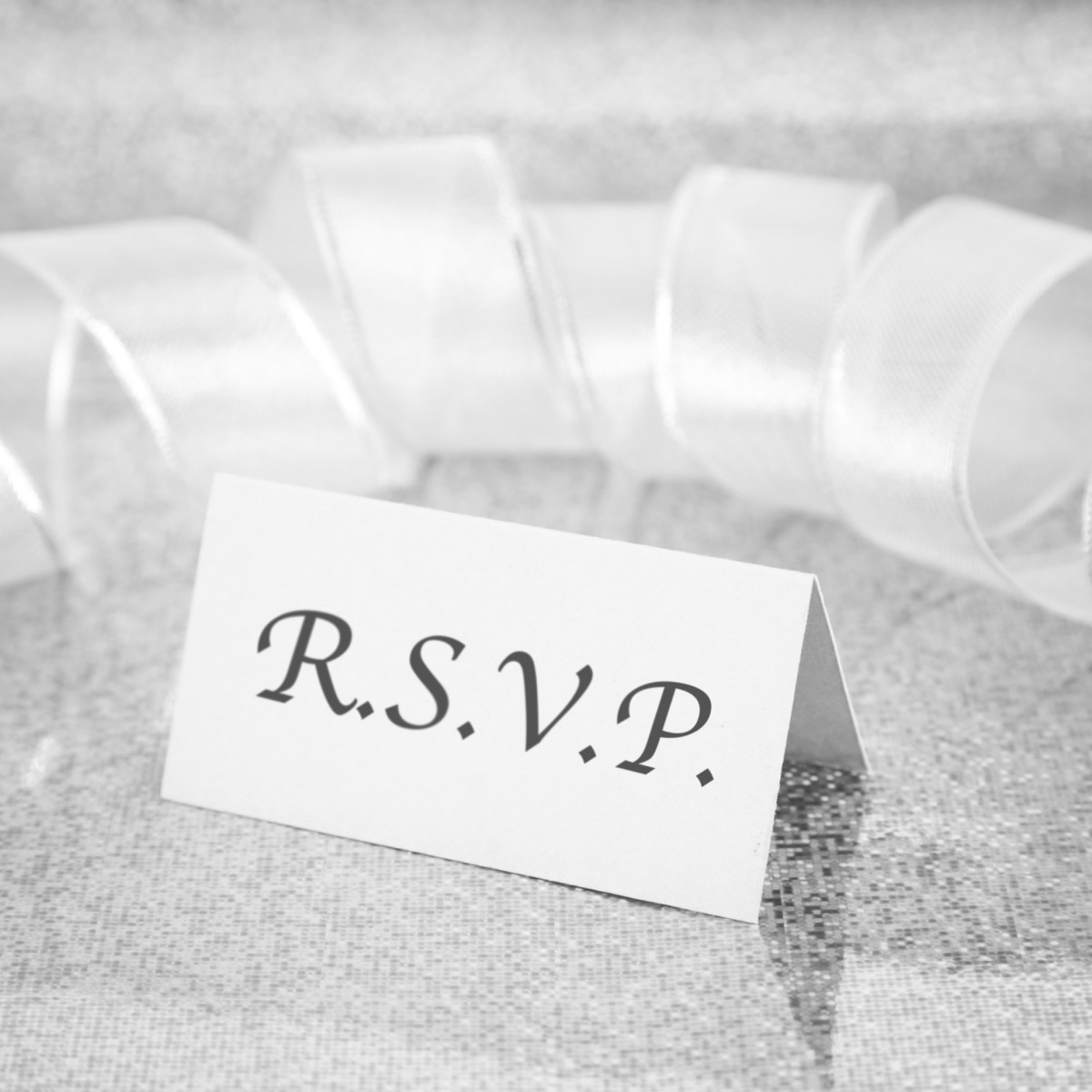 Why won't guests rsvp to my invitations?