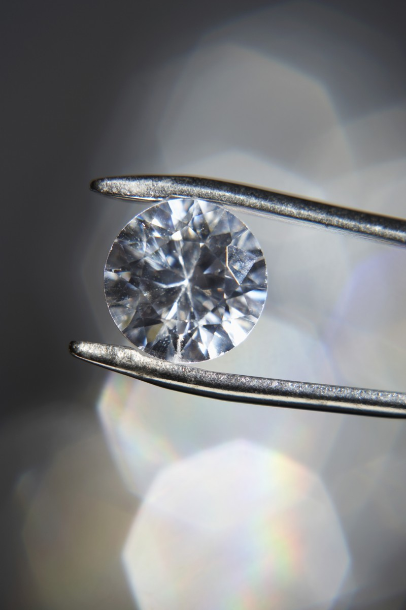 choosing a diamond for the engagement ring