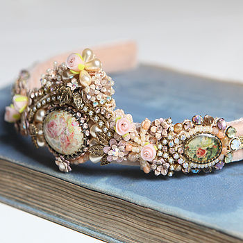 normal_Vintage_Inspired_Ornate_Tiara_by_Michal_Negrin_2