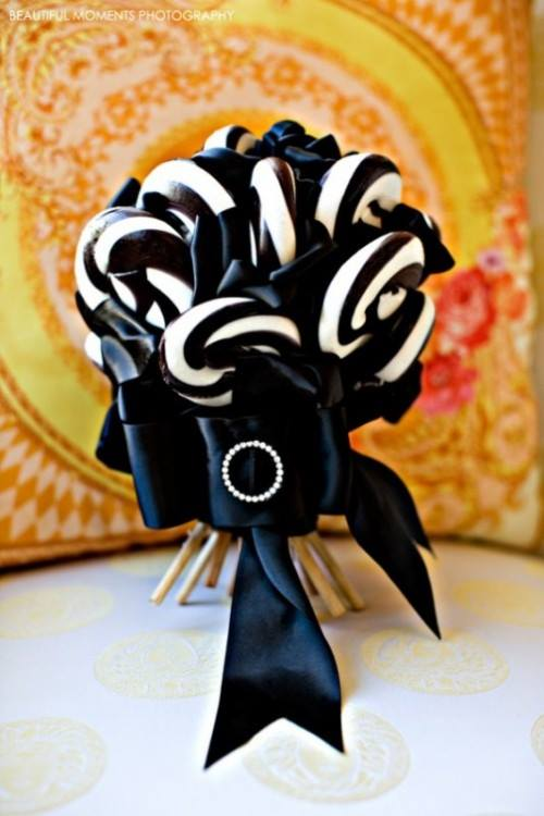 Wedding bouquet made of lolly pops