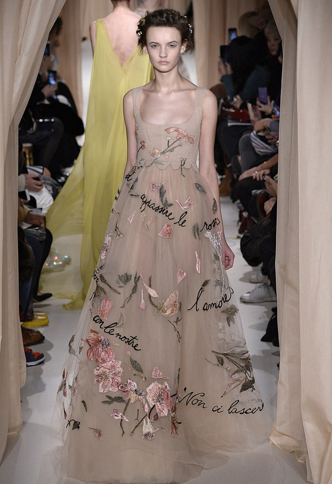 Valentino dess from Paris Fashion Week 2015