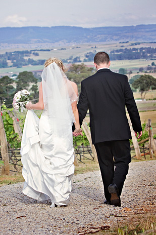 Jacqueline_Lachlan_Vintage-Country-Wedding_309_032