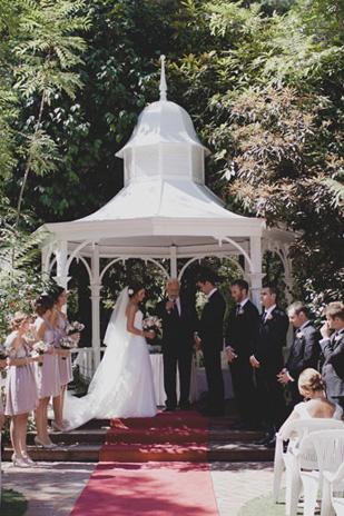 Jessica_Patrick_Vintage-Garden-Wedding_309_039