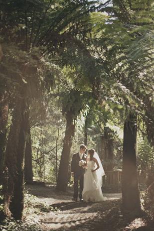 Jessica_Patrick_Vintage-Garden-Wedding_309_046