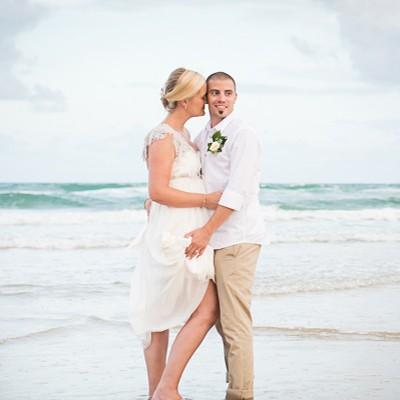 Kayley_Howard_Beach-Wedding_400