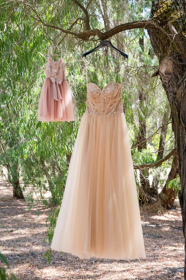Chelsea_Shannon_Rustic-Wedding_010