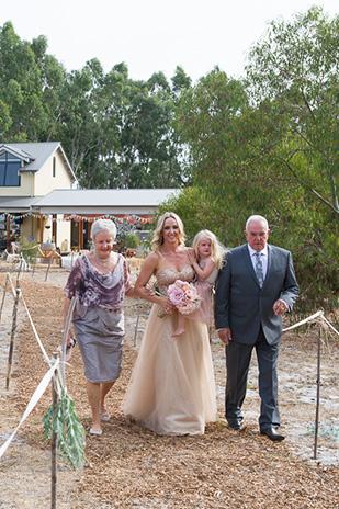 Chelsea_Shannon_Rustic-Wedding_309_014