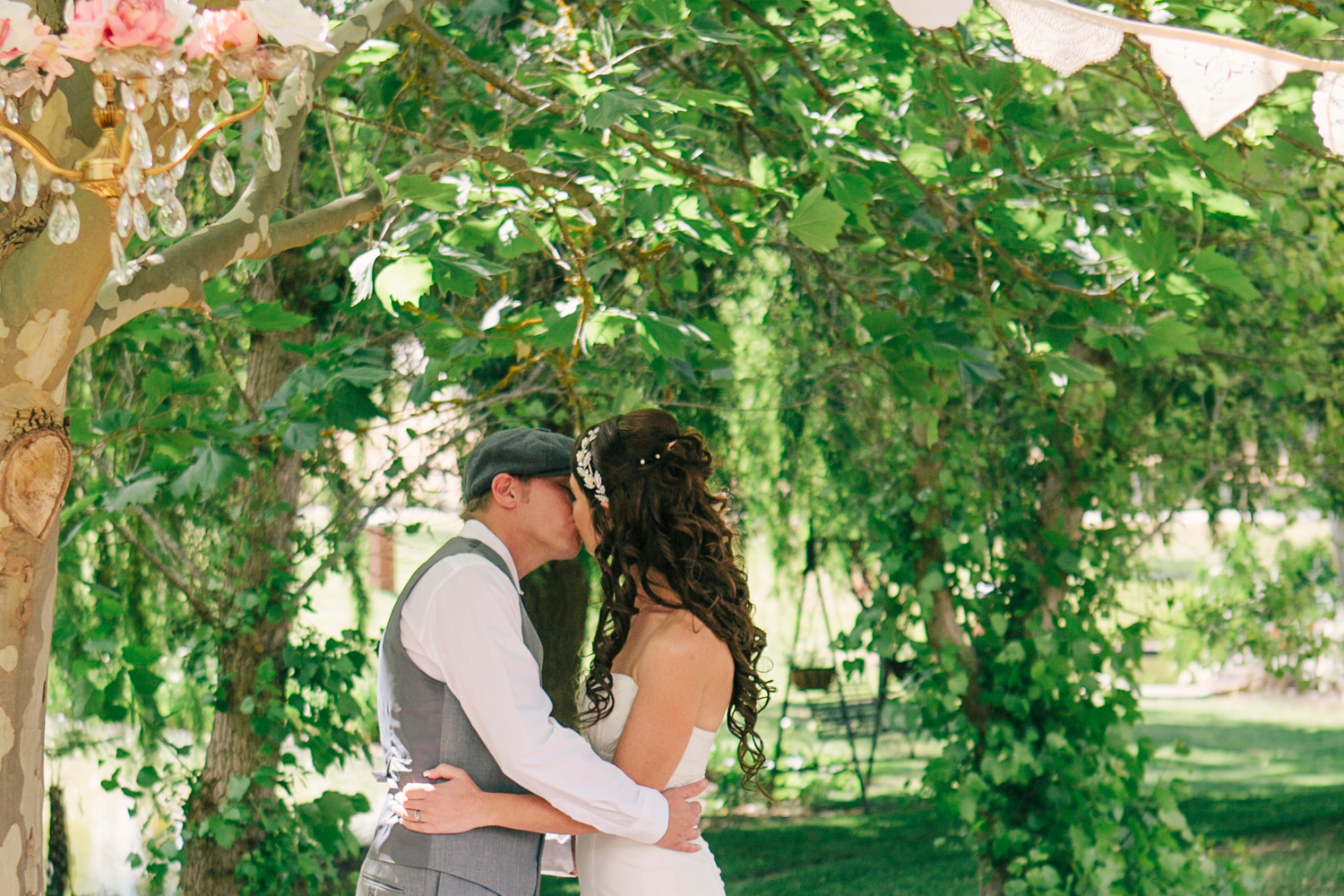 Jane_Chris_Vintage-Rustic-Wedding_025