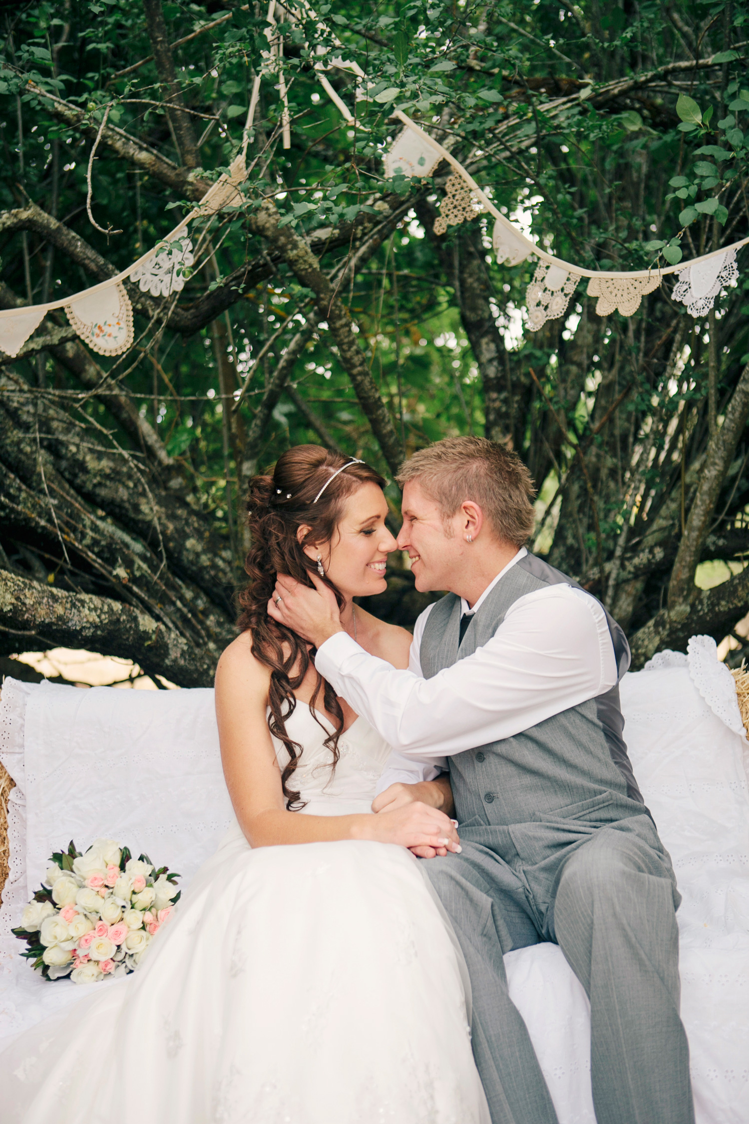 Jane_Chris_Vintage-Rustic-Wedding_045