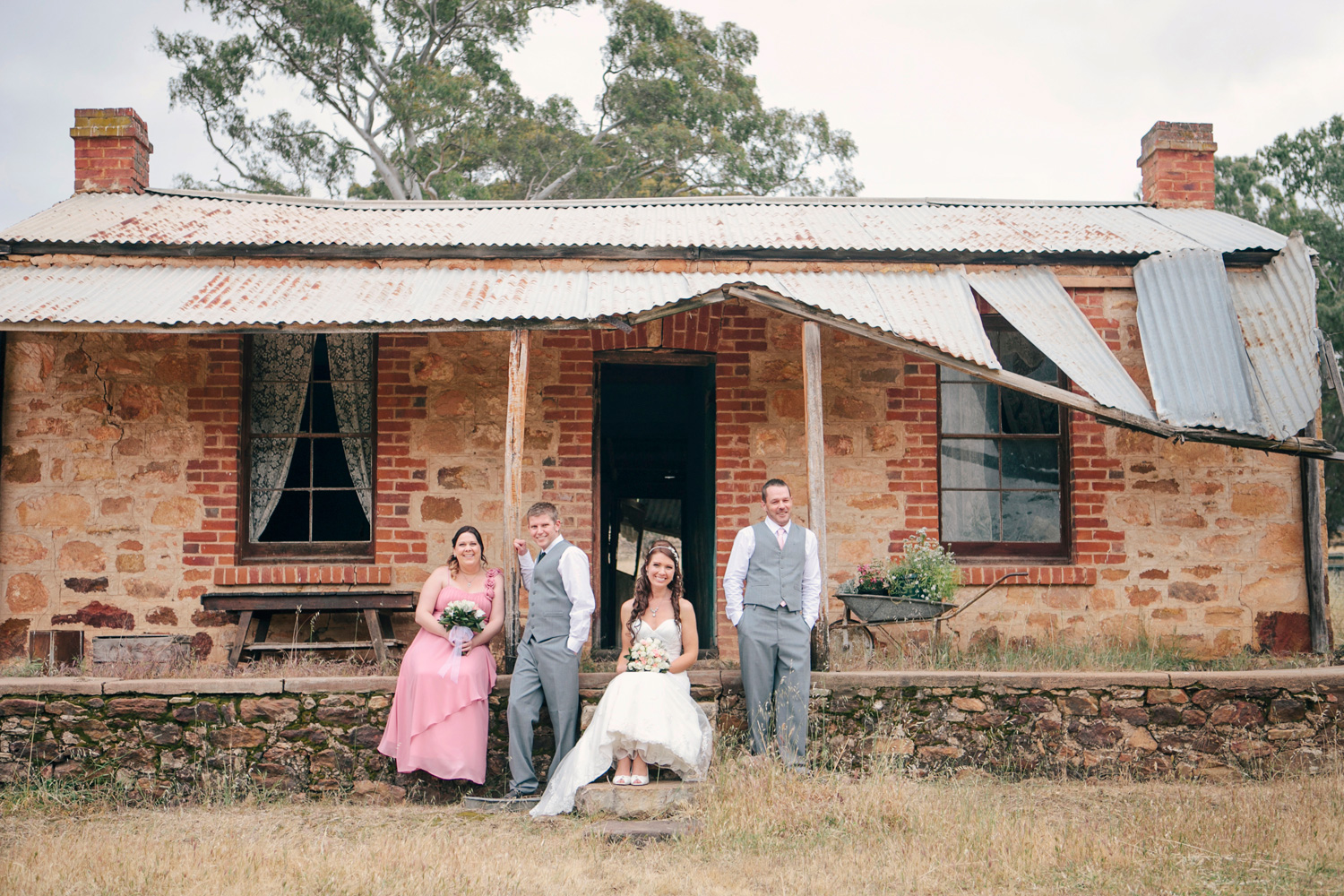 Jane_Chris_Vintage-Rustic-Wedding_046