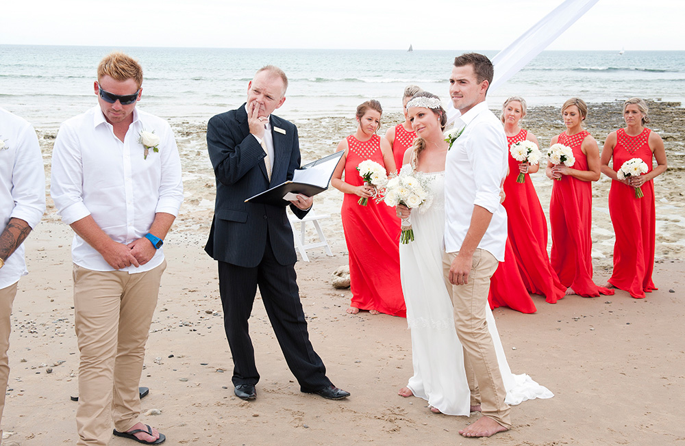 Tahnee_Trav_Beach-Wedding_020