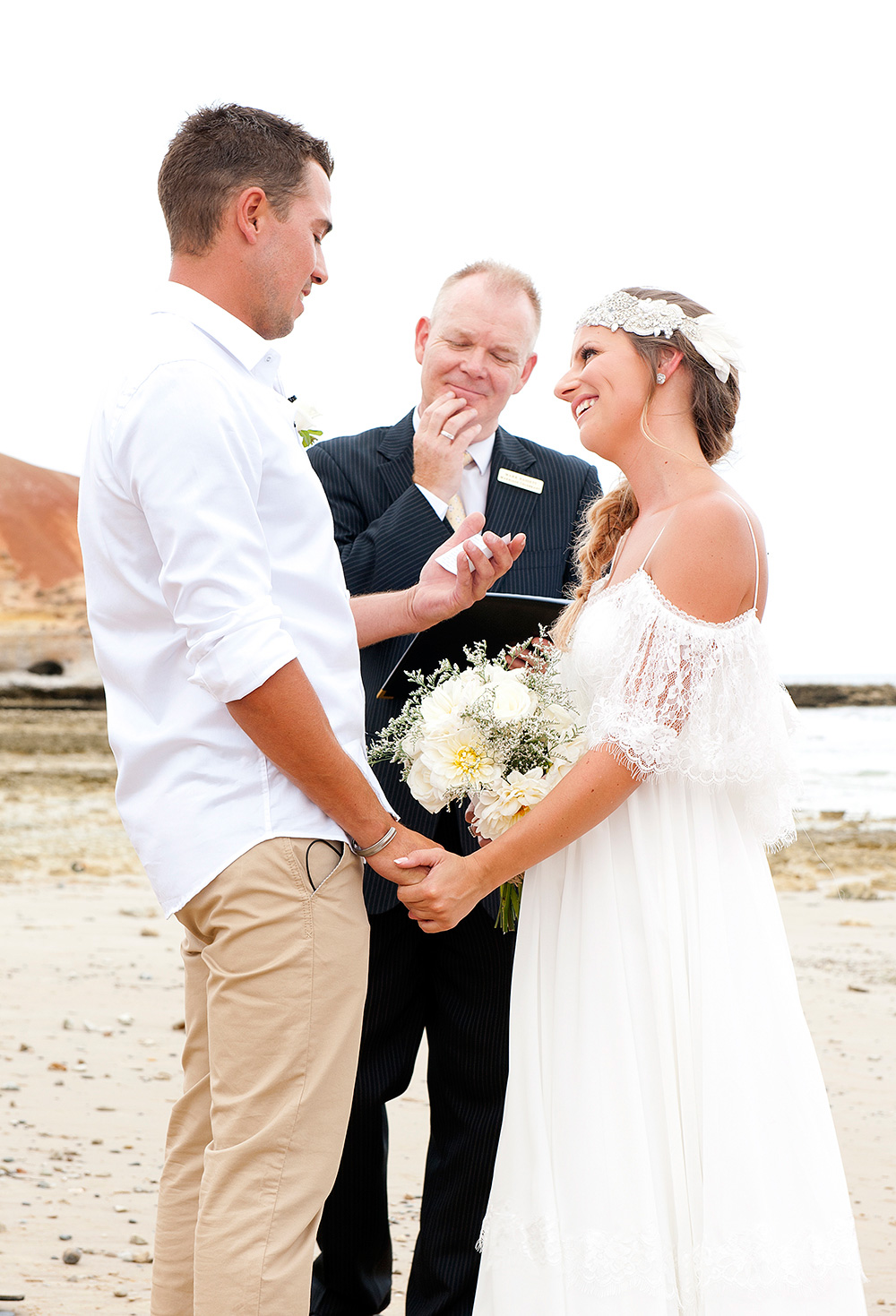 Tahnee_Trav_Beach-Wedding_021