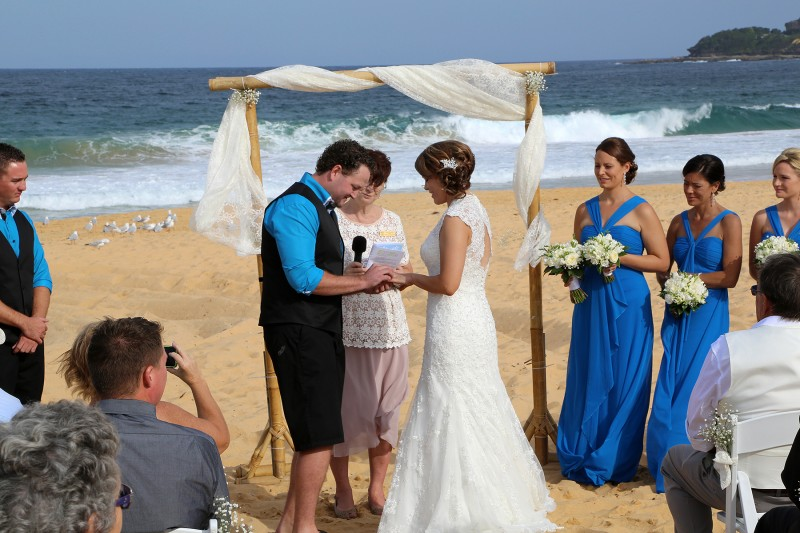Catherine_Grant_Beach-Wedding_003