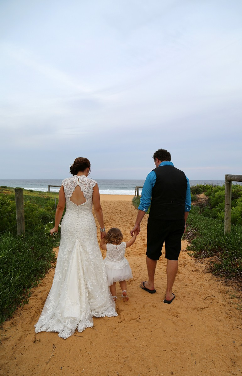 Catherine_Grant_Beach-Wedding_012