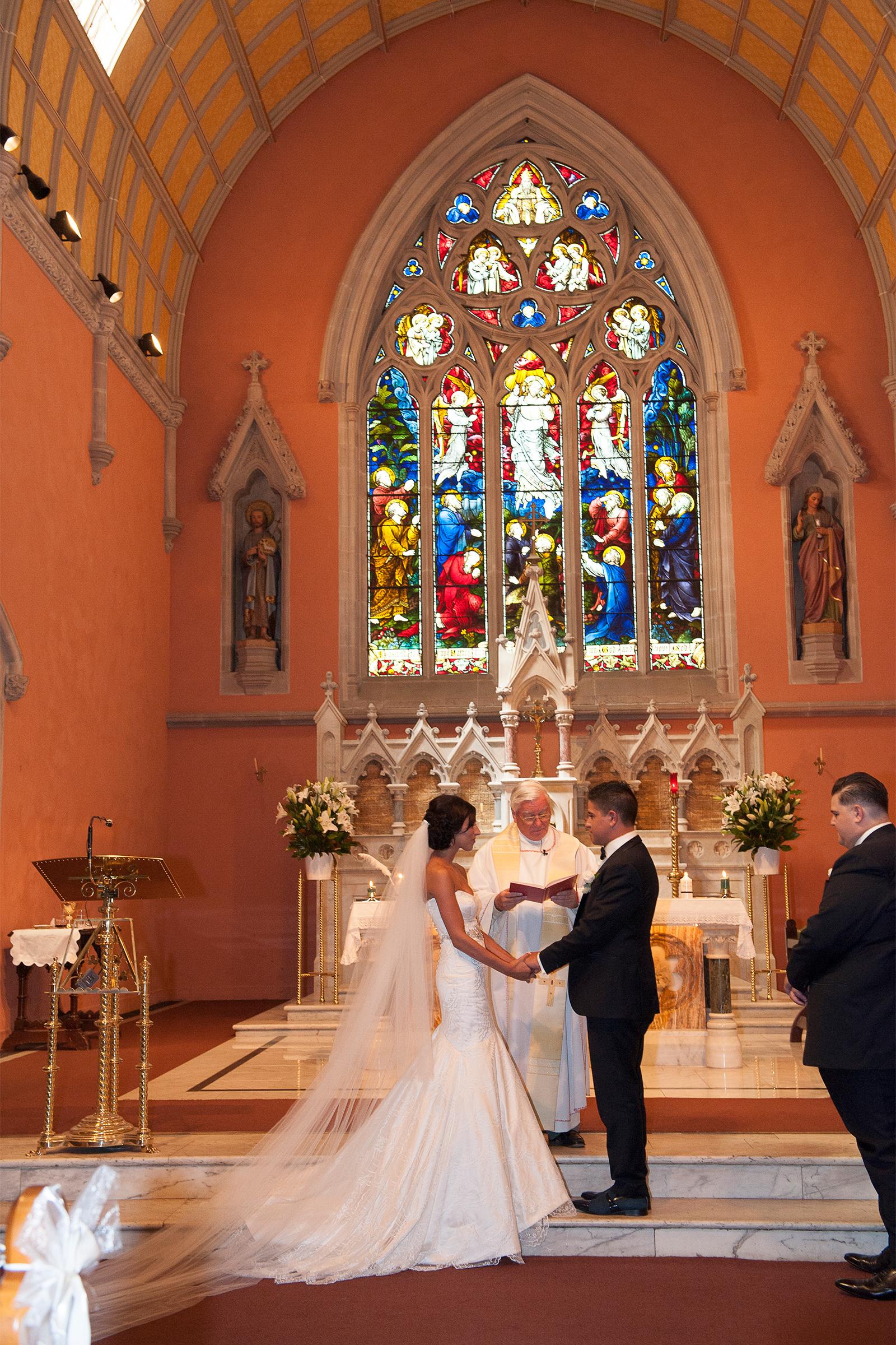 Claudia_Matt_Classic-Wedding_SBS_018