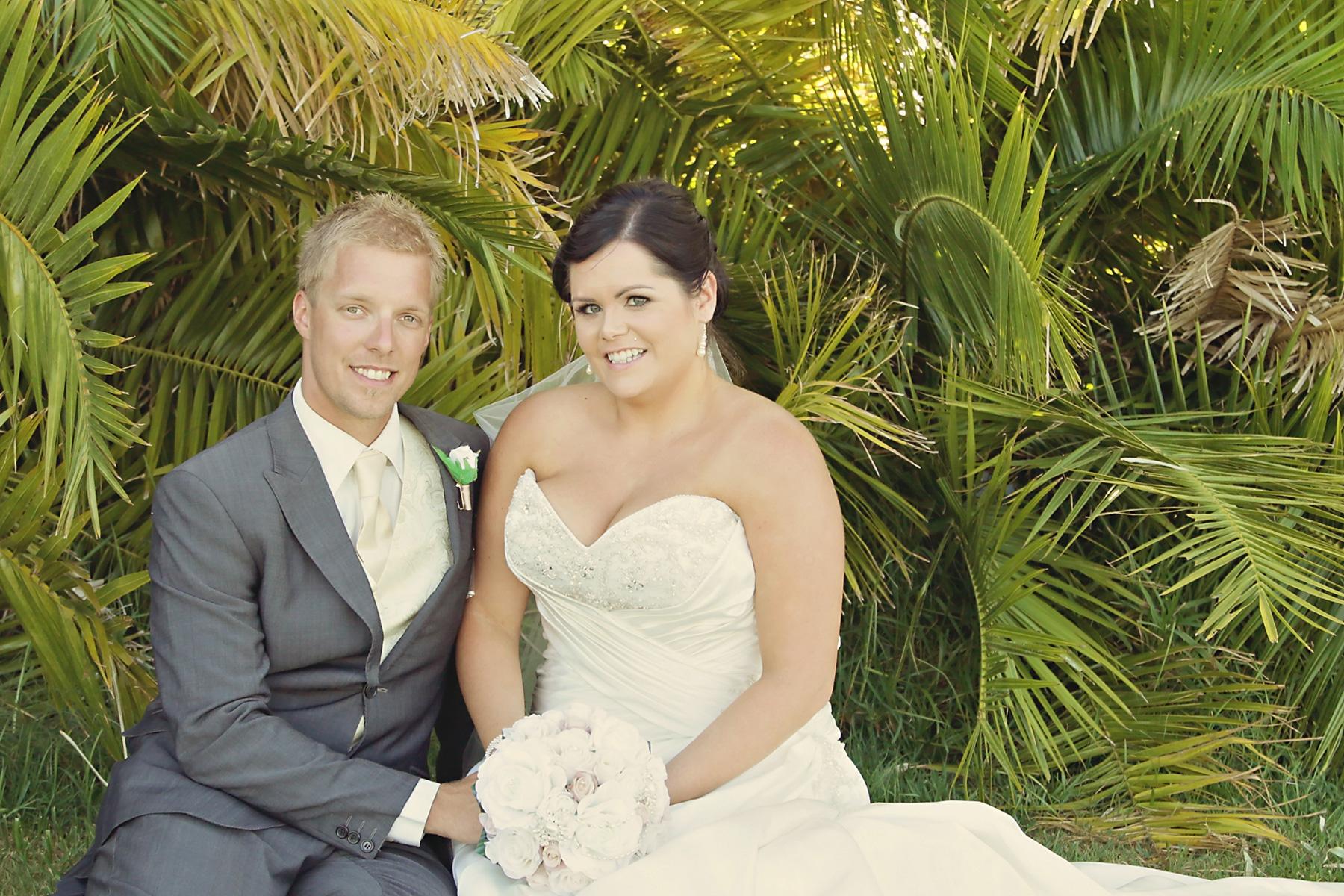 Kim_James_Beach-Wedding_018