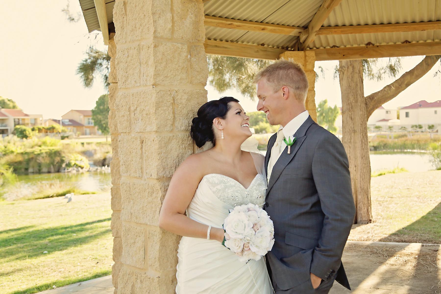 Kim_James_Beach-Wedding_019