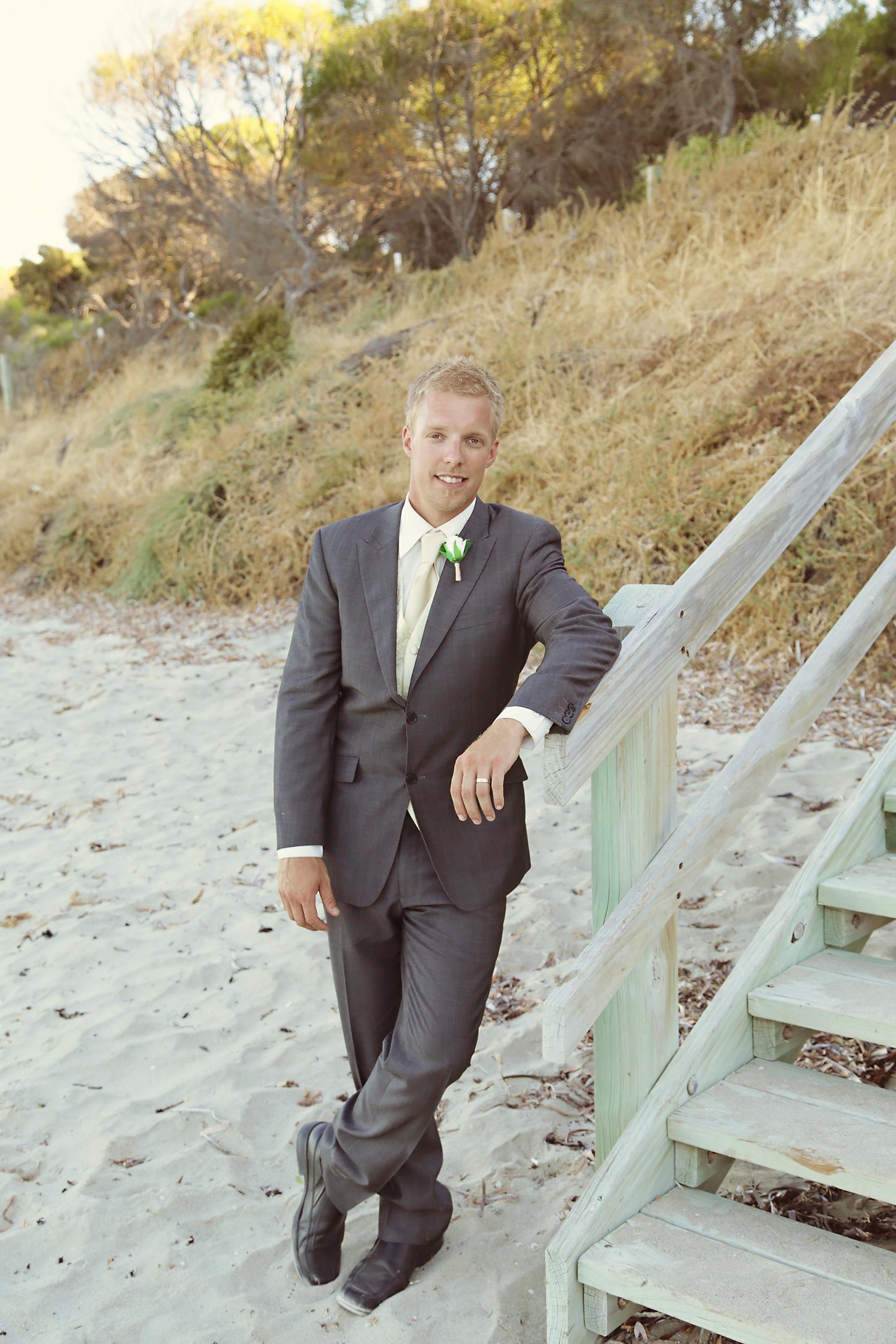 Kim_James_Beach-Wedding_025