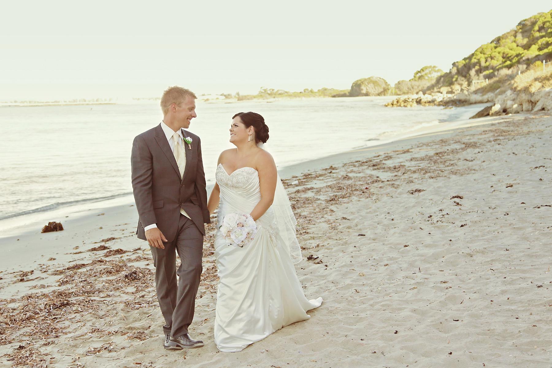 Kim_James_Beach-Wedding_028