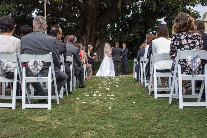 Emily_Brad_Garden-Wedding_011
