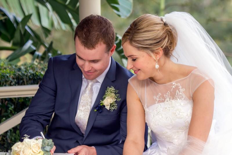 Emily_Brad_Garden-Wedding_013