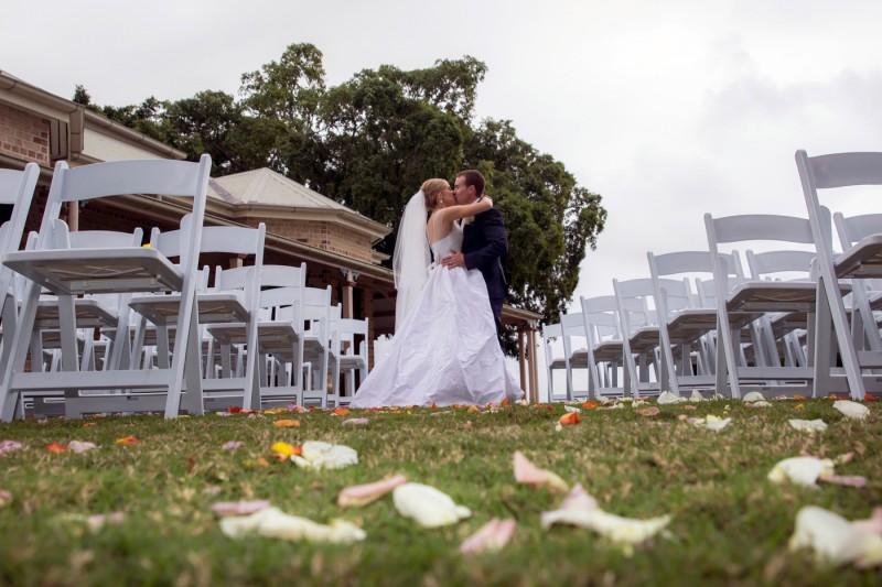 Emily_Brad_Garden-Wedding_018