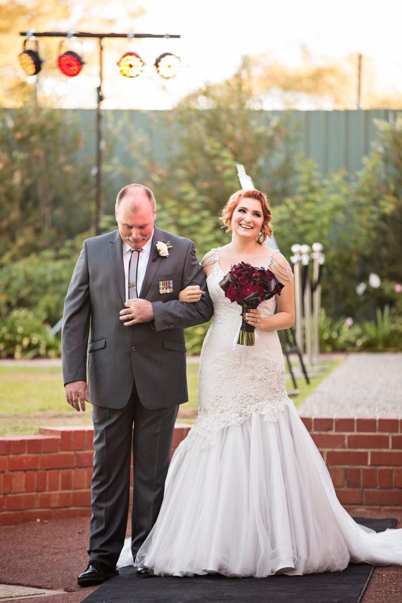 Isabelle_Rob_Garden-Wedding_007