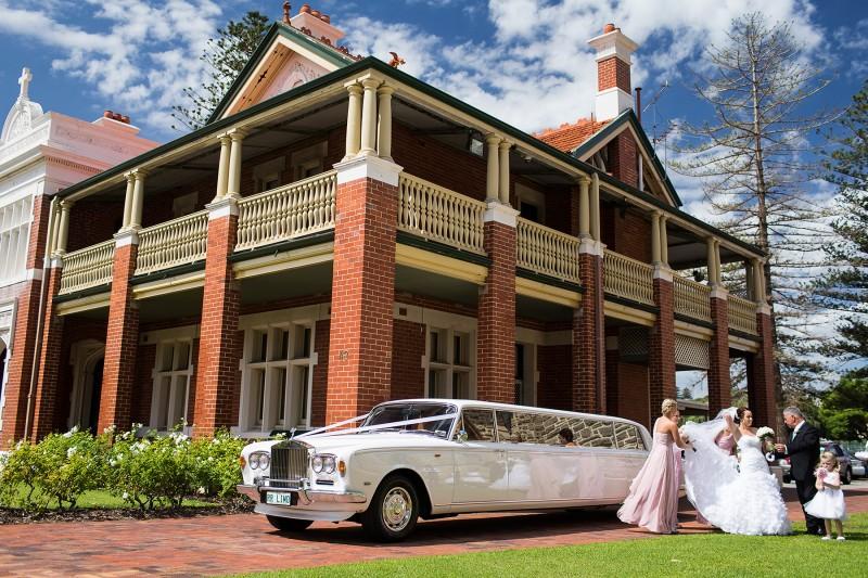 Karisa_Brendan_Elegant-Wedding_008