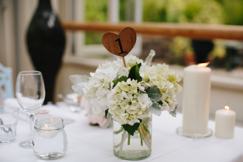 Lara_Cardin_Modern-Vintage-Wedding_037