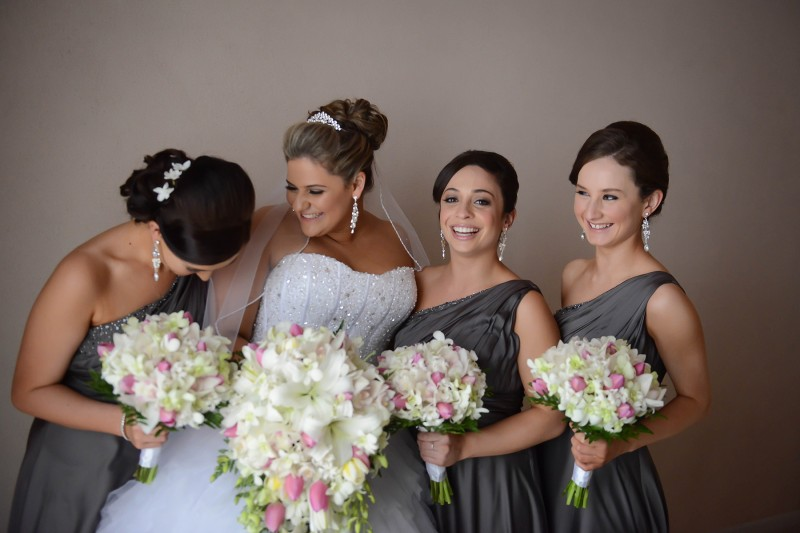 Laura_Stephen_Classic-Wedding_004