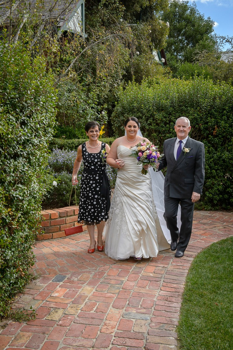 Michelle_Joel_Vineyard-Wedding_012