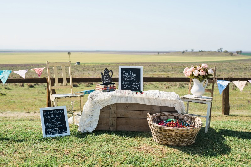Deanna_Peter_Vintage-Country-Wedding_002