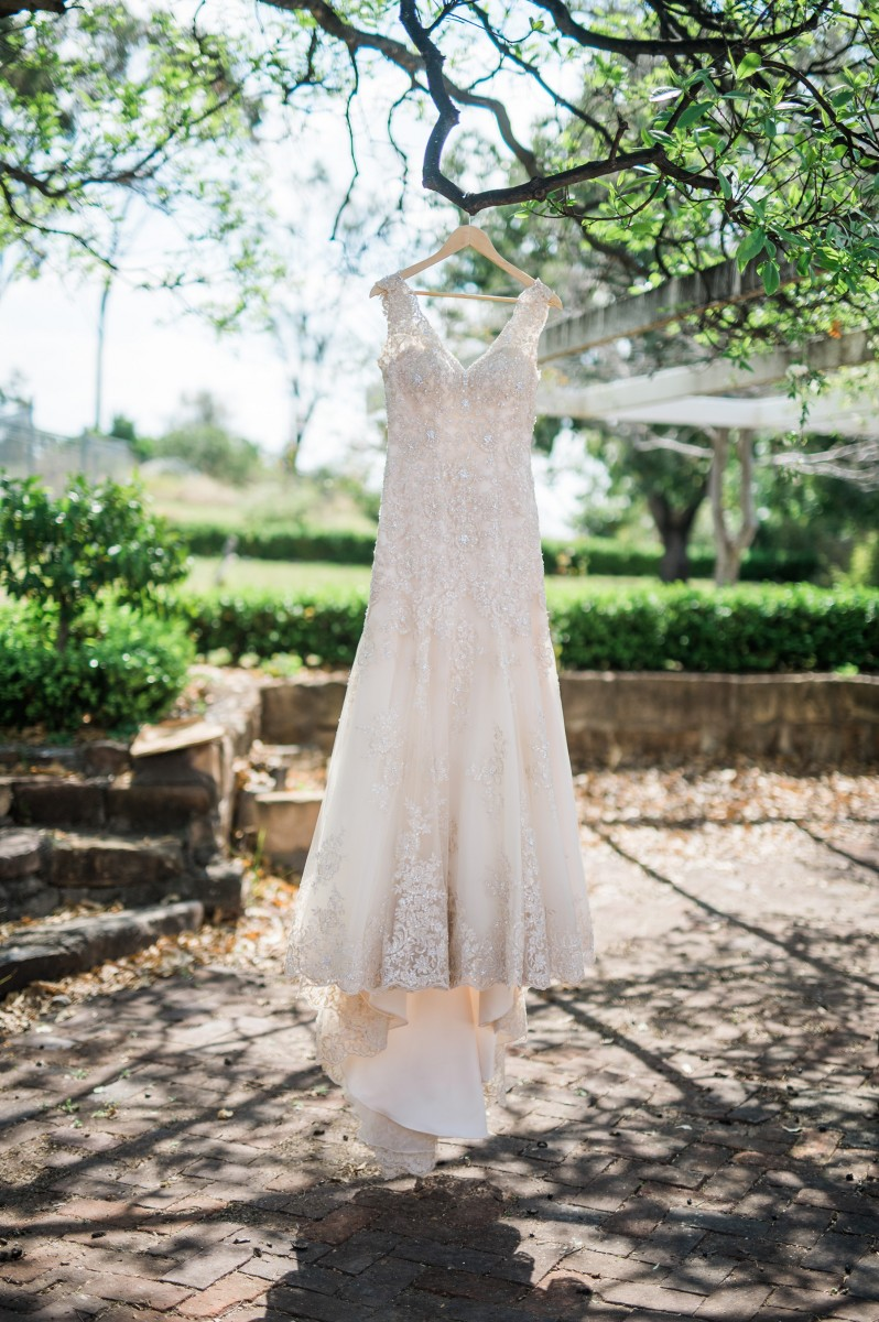 Deanna_Peter_Vintage-Country-Wedding_004