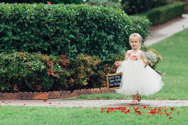 Elise_Troy_Rustic-Vintage-Wedding_005