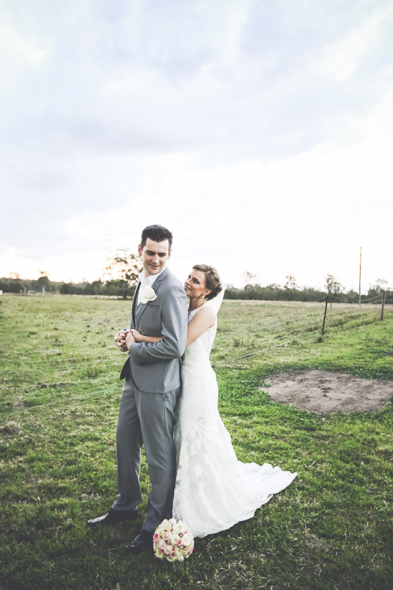 Laura_Nathan_Rustic-Vintage-Wedding_047