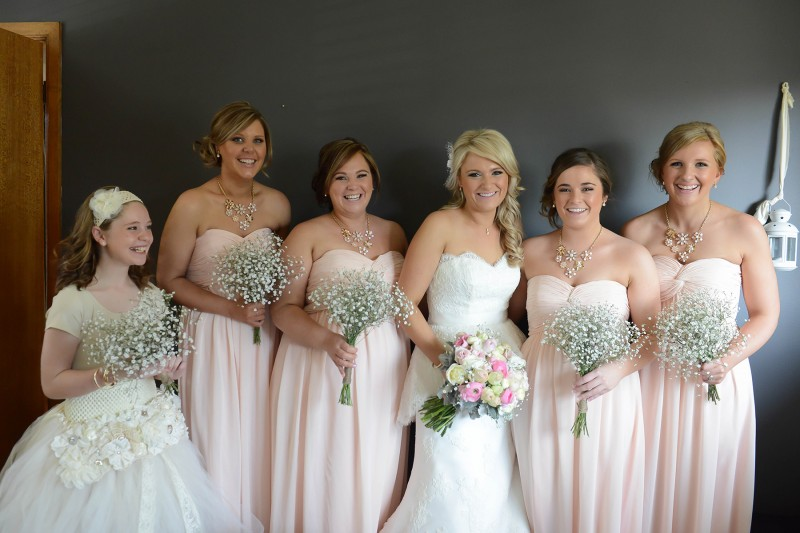 Lauren_Ben_Vintage-Pastel-Wedding_004