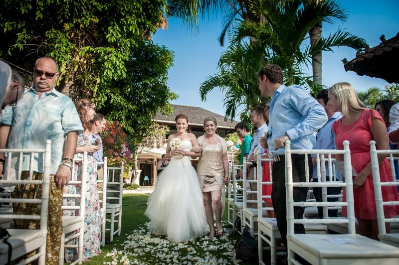 Robyn_Kevin_Rustic-Balinese-Wedding_003