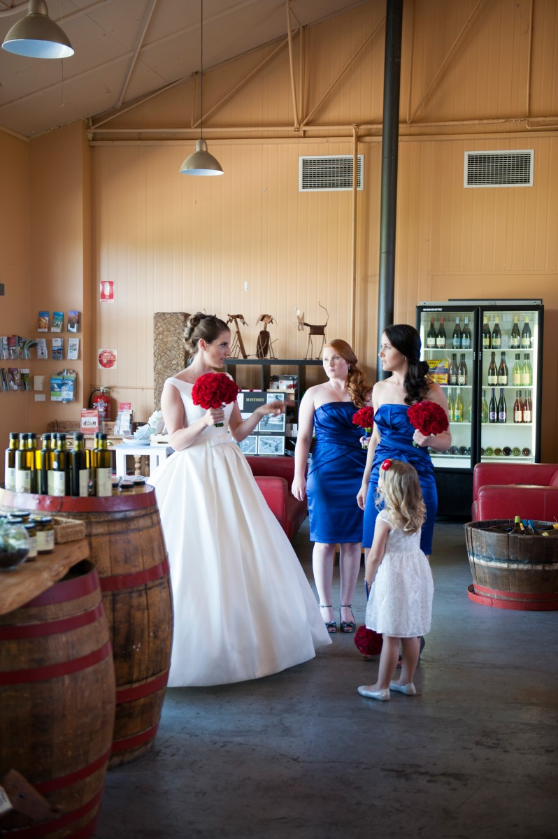 Sarah_Robert_Vineyard-Wedding_005