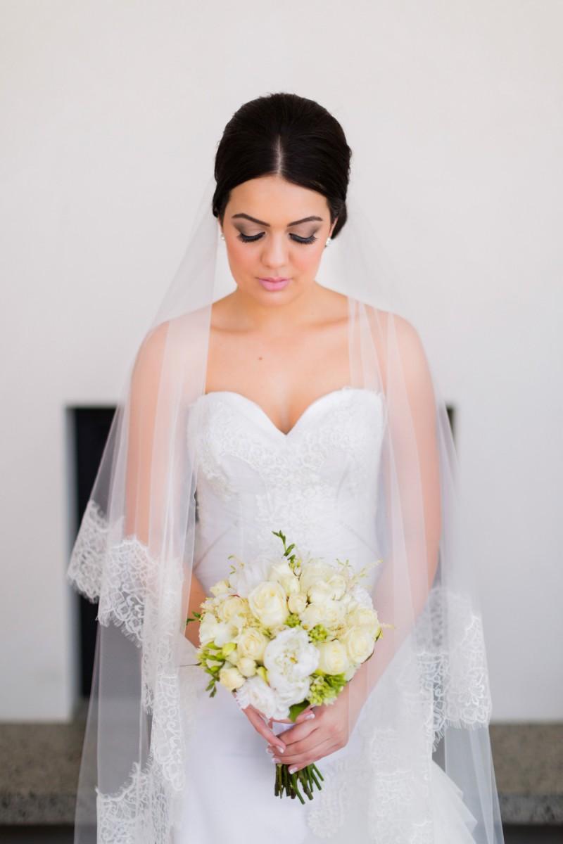 Carla_Anthony_Romantic-Vintage-Wedding_004