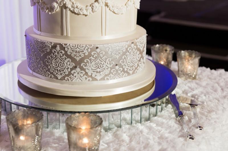 Carla_Anthony_Romantic-Vintage-Wedding_041