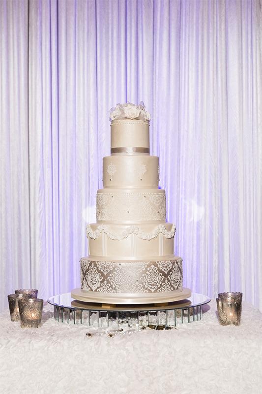 Carla_Anthony_Romantic-Vintage-Wedding_SBS_030