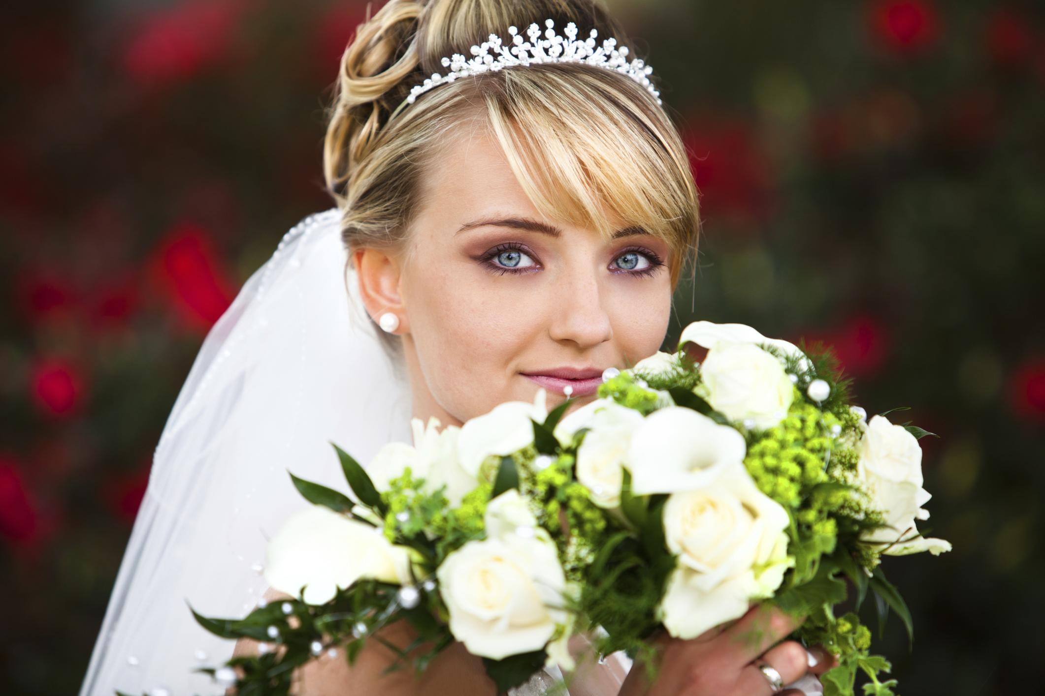 Top tips on wearing a wedding tiara | Easy Weddings UK - Easy Weddings