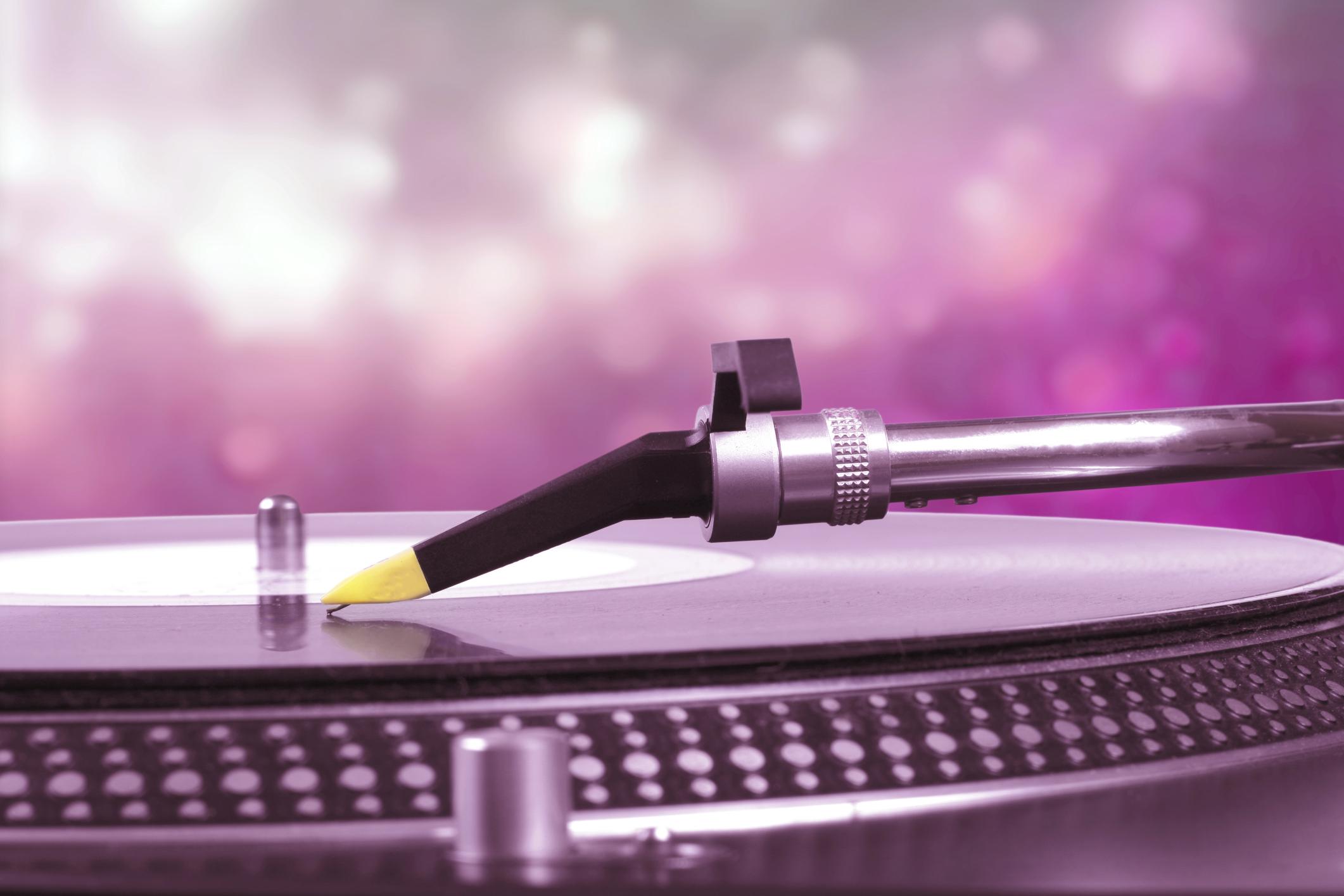 Wedding DJ timeline for the big day | Easy Weddings UK
