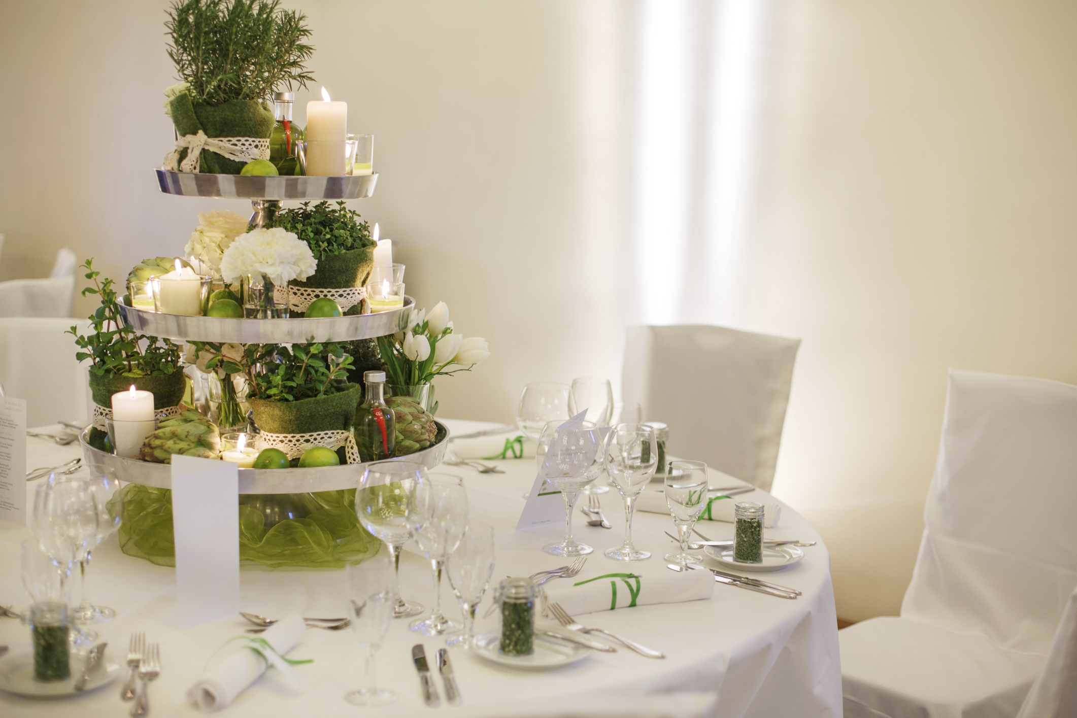Four ideas for wedding table decorations | Easy Weddings UK