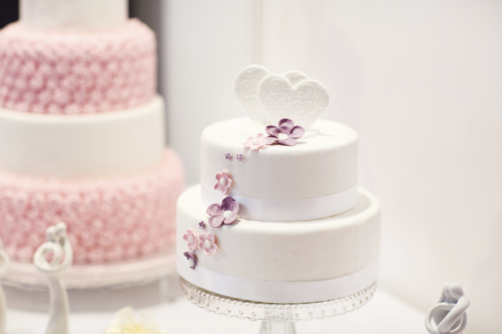 Simple budget wedding cake ideas  Easy Weddings UK - Easy Weddings