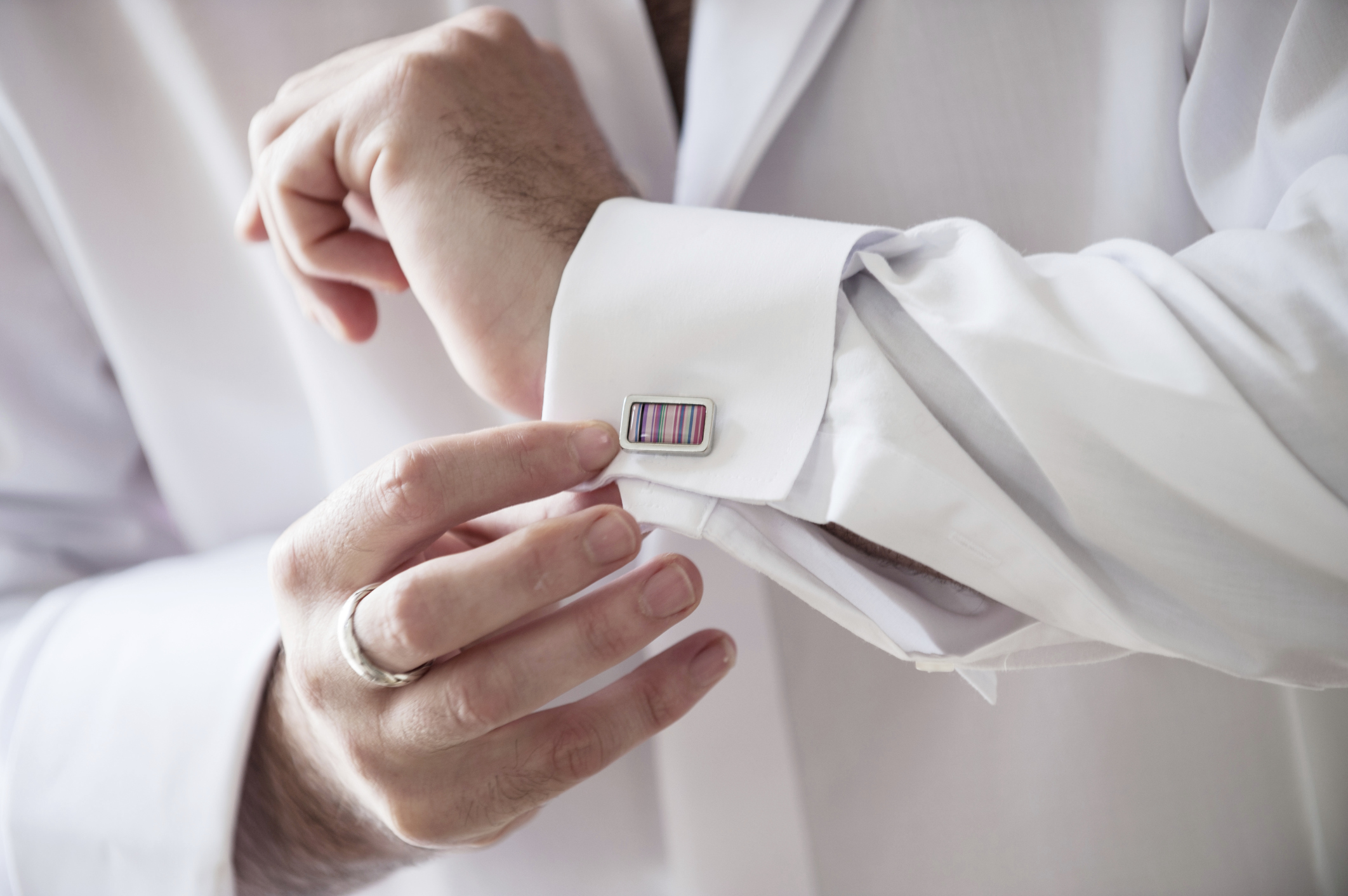A brides guide to choosing cufflinks for the groom | Easy Weddings UK
