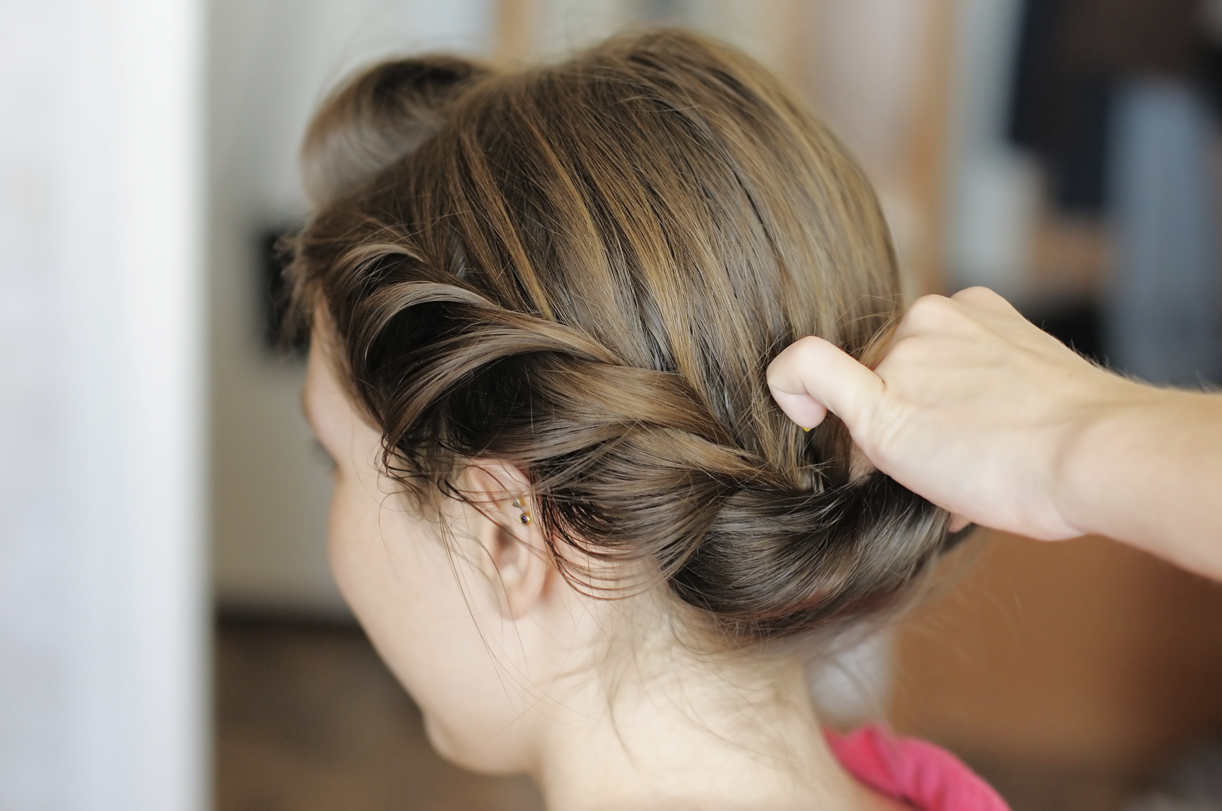 Who pays for the bridesmaid hair? | Easy Weddings UK