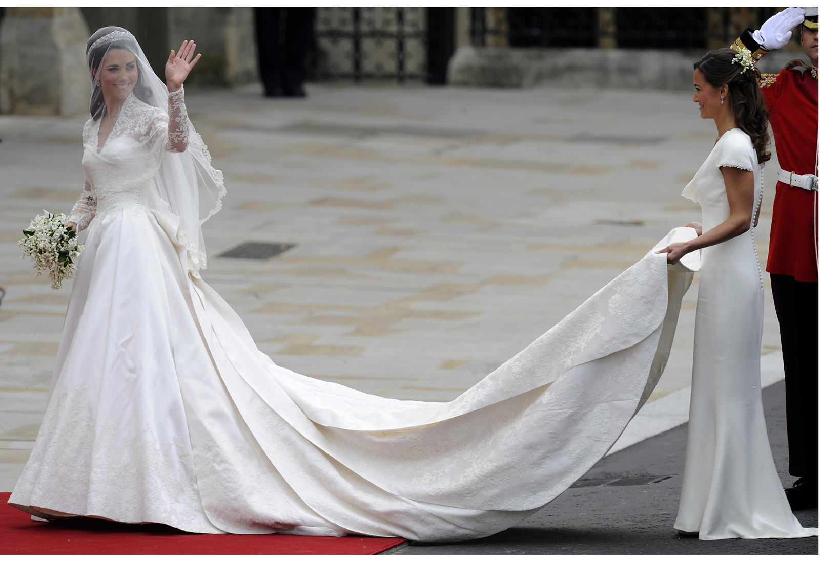 A fairytale dress for a real life princess articles for Princess catherine wedding dress