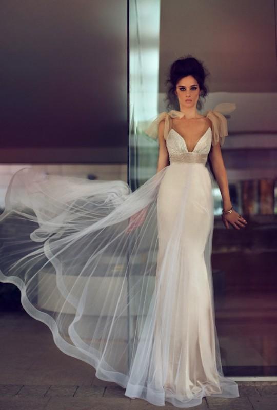 Modern-Wedding-Dresses-by-Zahavit-Tshuba-Bridal-Musings-17