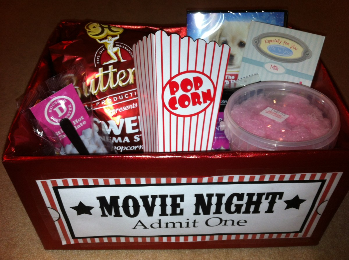 UniqueValentine_MovieHamper